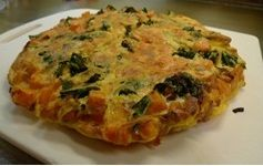 Dress up your morning eggs with sweet potato and kale in this delicious frittata! http://www.trimdownclub.com/recipe/sweet-potato-kale-frittata/?vtid2=pnt&prm2=m12 #recipe #breakfast #omelette