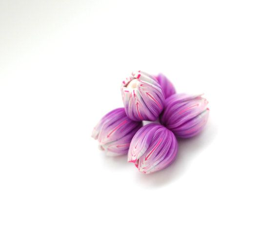 Handmade polymer clay beads  purple and pink by ekkaBoutique, €6.00 #flower #beads #diysupply