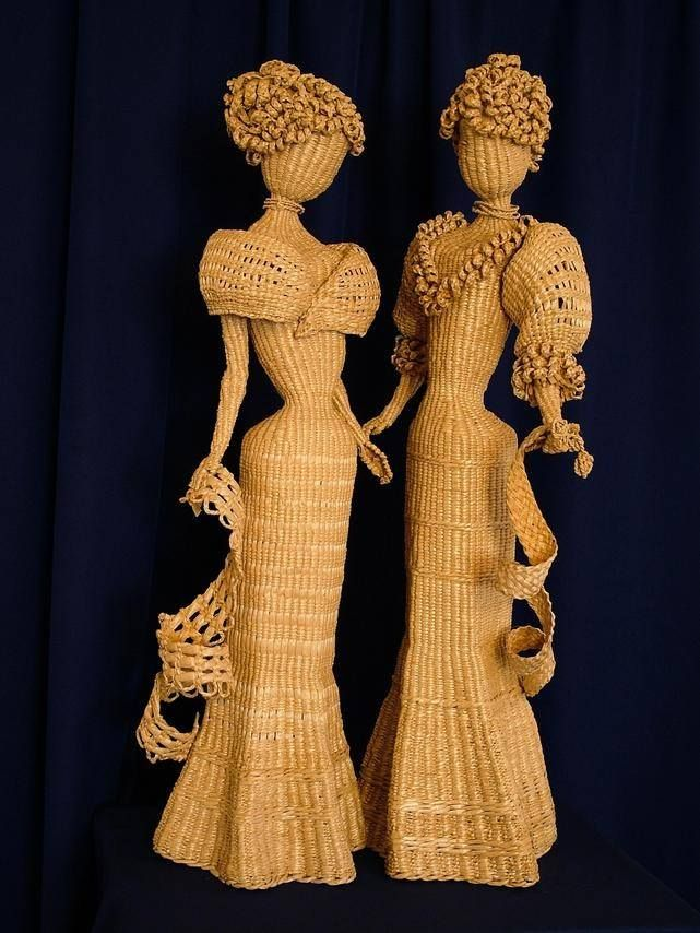 Muñecas de época en cestería