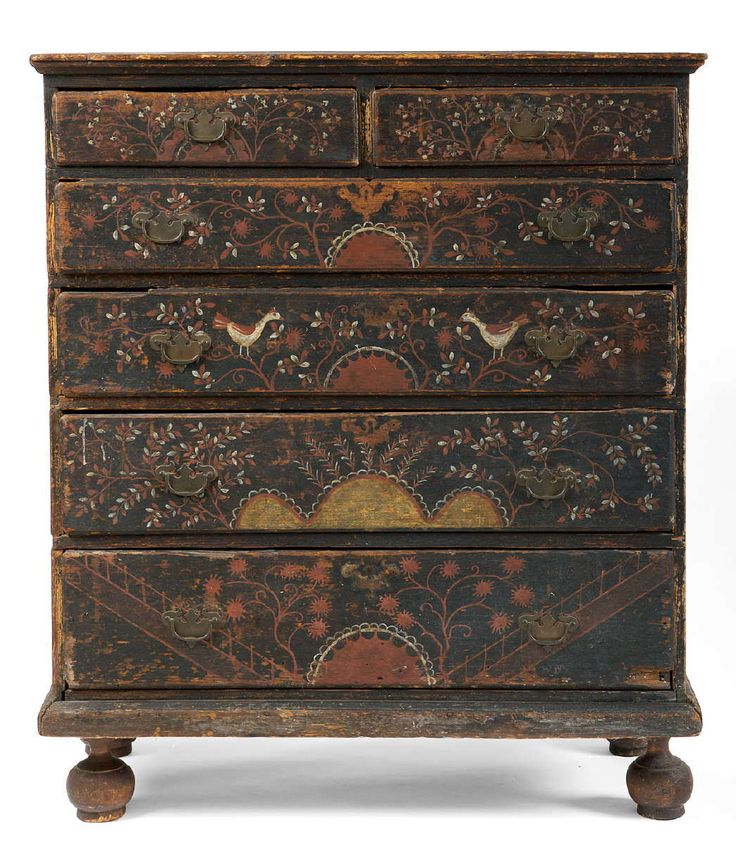 FINE AND IMPORTANT MASSACHUSETTS WILLIAM AND MARY PAINTED AND DECORATED CHEST OF DRAWERS.~♥~