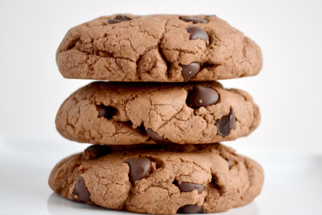 Giant Chocolate Chip Cookies | Chocolate chip cookie quest | Pinterest
