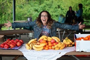 Our awesome Ambassador, Lindsay Shifley showing the love for fruit and veg on FRD 2013 in Illinois!