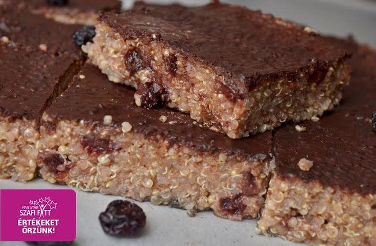Gluténmentes zsírszegény vegán csokis-meggyes quinoa sütemény (tejmentes, tojásmentes, hozzáadott zsírtól mentes, szójamentes, cukormentes, rostban gazdag)