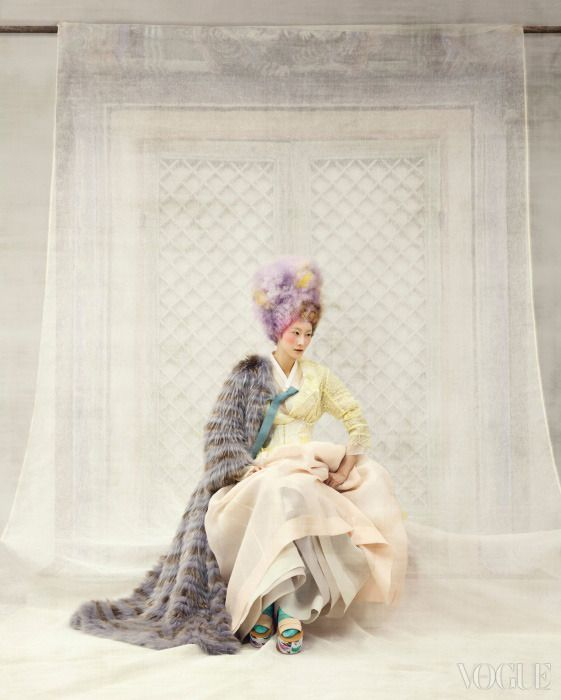 Vogue Korea - Jan 2014  비둘기색 고름 저고리, 층층이 단속곳, 연분홍색 치마 - 한복 린 (Lynn) Yellow Floral Pattern Lace Coat - Steve J & Yori P Waist Cincher - Agent Provocateur Fur Coat - 21 Defaye Platform Shoes - Mosca