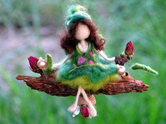 Needle felted mobile Waldorf inspired art doll por Made4uByMagic