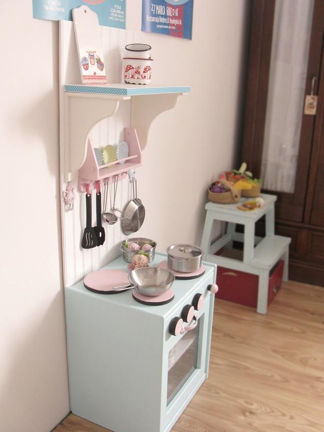 Wietrzne Przemeblowania Kuchnia Ze Szrotu Play Kitchen Diy Play Kitchen Furniture