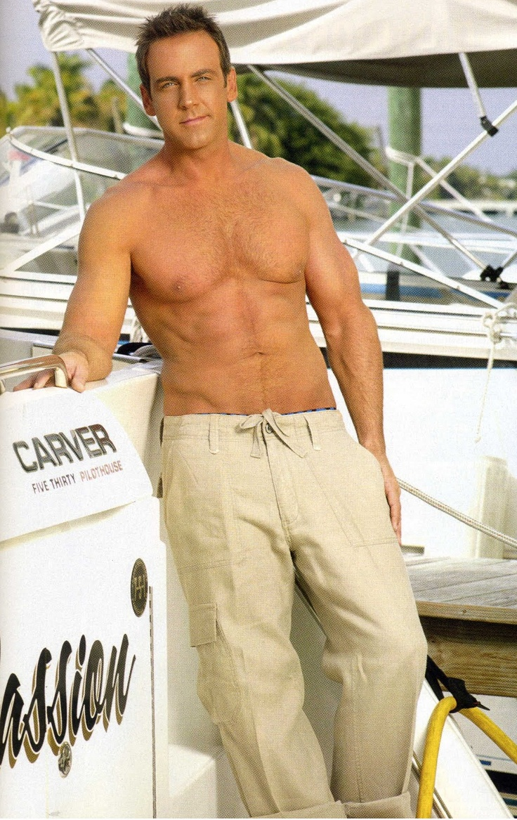 Carlos Ponce, oh the delicious abs on this man!
