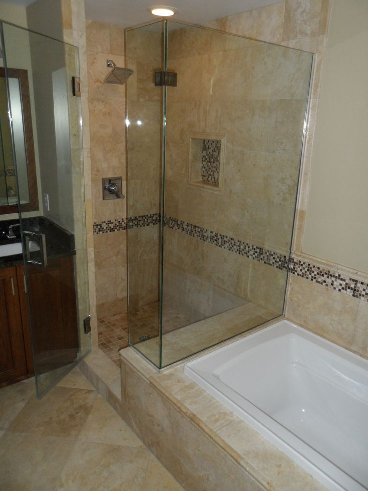 Like the accent tile all the way around the tub shower for Kleiner schrank weiay