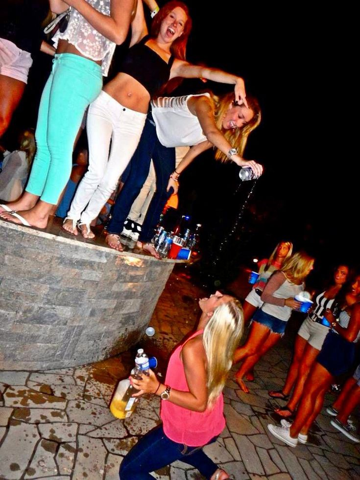 7 reasons why dating a sorority girl is better In a horrific display of entitlement, a drunk driver told police she shouldn't be arrested because she's a 'thoroughbred, clean white girl', according to a report.