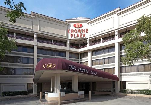 Executive Center Baton Rouge Upscale Hotel in Baton Rouge, Louisiana | Crowne Plaza