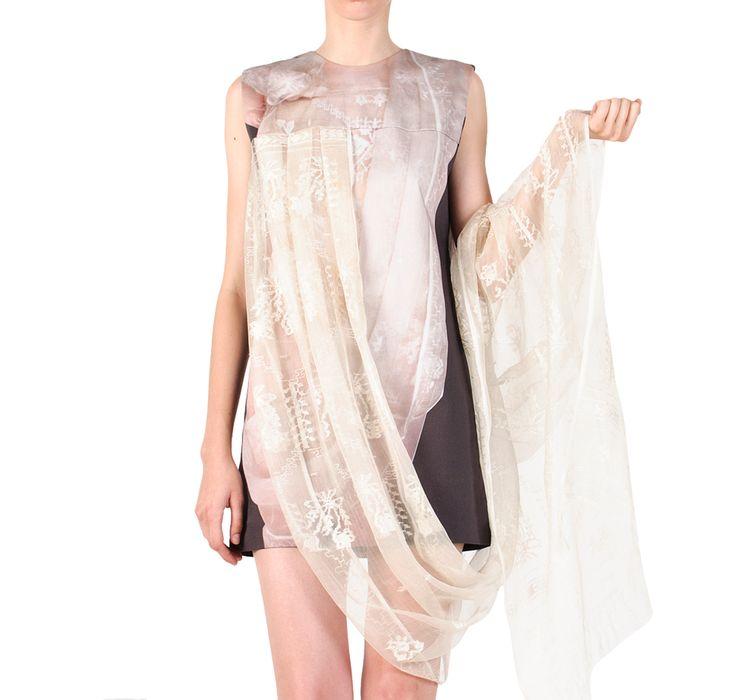 Heritage goes #digital!    #SandraGalan #dress with neo #folk #print. Digitally printed mini dress with #draped #vintage #wedding #veil.