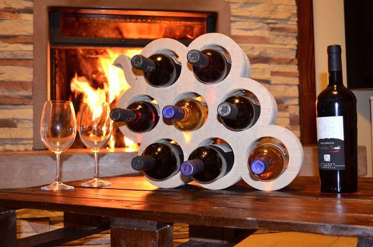 Le 25 migliori idee su Portabottiglie Vino su Pinterest  Tagliare bottiglia di vino, Tappi ...