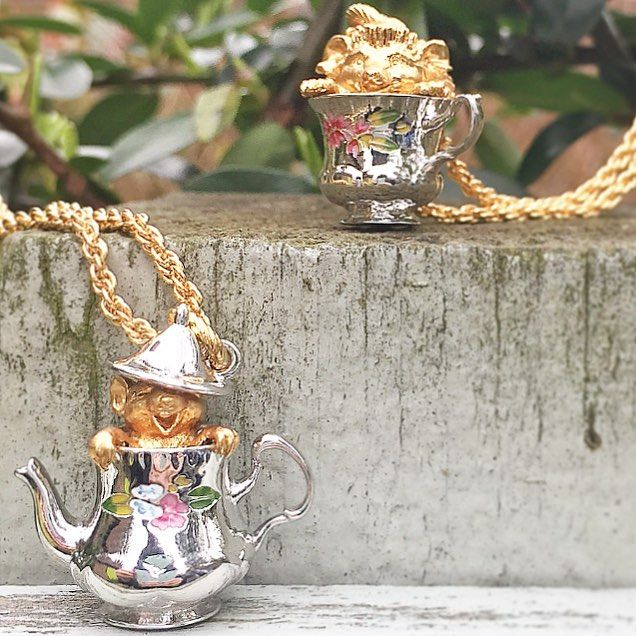 ✨:: The Tea Party Story :: ✨ To celebrate the weekend, a few of our Tea Party characters have arrived! Who is your favourite?   .  .  .  #BillSkinner #teatime #teaparty #enchantedforest #enchantedteaparty #teapartyjewelry #teapartyjewellery #handpainted #jewellerylovers #jewellerydesign #stilllifephotography #jewellerydesigner #enamel #mouse #hedgehog #animalsinteacups #teaset #vintage