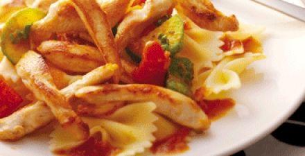 Zoete kipreepjes met pasta