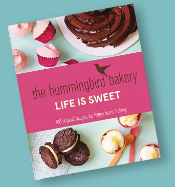 The fourth recipe collection from Britain's favourite bakery gathers together all the irresistible delights that make classic American home baking so mouth-watering. Novice bakers can excel with simple treats such as home baked Peanut Butter and Marshmallow Cookies or more experienced hands can progress to Doberge cakes or the impressive sky-high Alabama Little Layer Cake.
