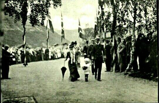 KRONINGSREISEN i 1906 Gudbrandsdalen, Otta Utg John Fredriksons Kunstforlag