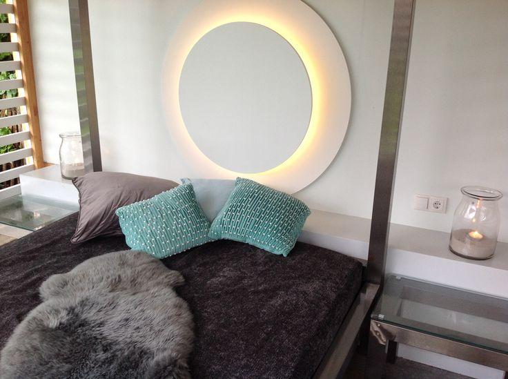 Heerlijk Buitenkamer met Hemelbed & openhaard voor romantische en overgetelijke momenten.