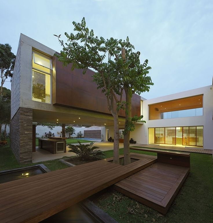La Planicie House II by Oscar Gonzalez Moix