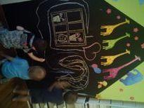 Bölcsődénkben családias környezetben  hagyományőrző nevelés folyik kis létszámú csoportokban. http://www.zumzumbolcsi.hu/szolgaltatasaink/
