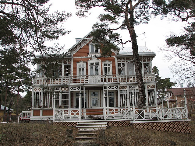 Wooden House in Hanko, Finland by -Georg-, via Flickr