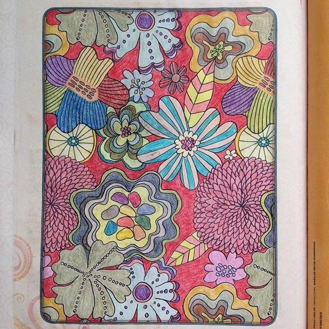 #ausmalenfürerwachsene#emmafarrarons#drawing#coloring#ausmalen#buntstifte#joy#freude#flowers#blumen#floral#blooms#blüte#colours#farben#patter#muster#illustration#zeichnung#artwork#achtsamkeit#kunst#happinezmagazine#mindfulness#adultcoloringbook#colouringforadults#meditation#creative#polychromos#zeitschrift