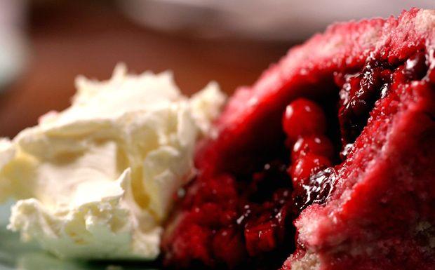 Sobremesa de Paul Hollywood tem massa fermentada com uvas orgânicas