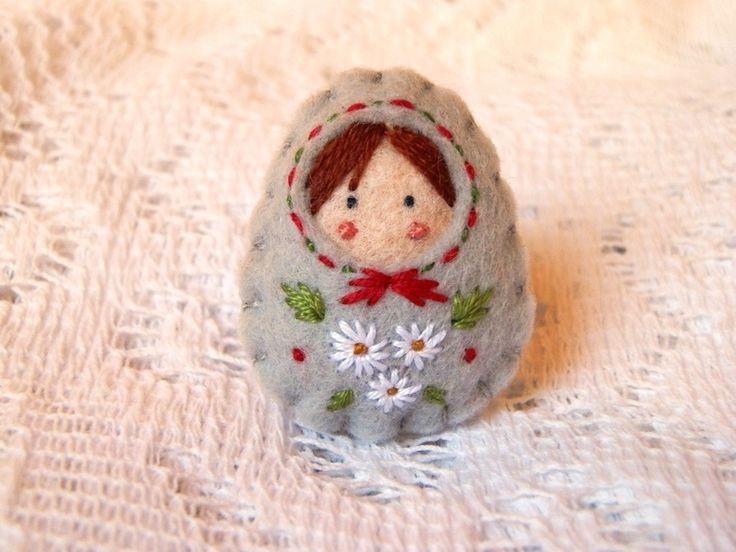 Les 25 meilleures id es de la cat gorie fleurs en feutre sur pinterest roses en feutre - Enlever feutre sur tissu ...
