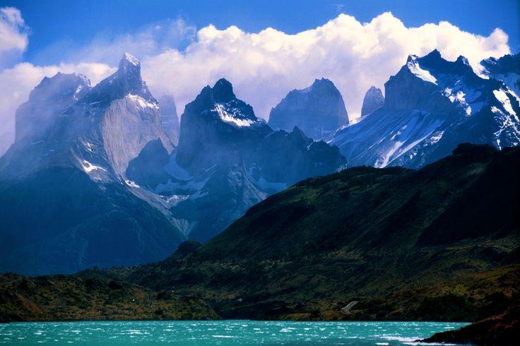 Fotografias panoramicas esfericas de Las Torres del Paine: http://www.lastorres.com/es/gallery/panoramic-photos/