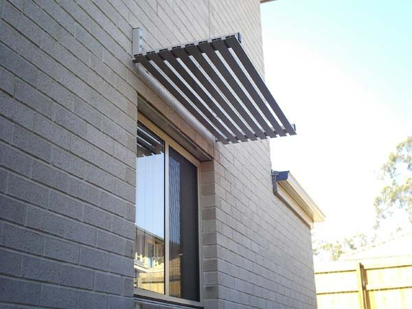Aluminium powdercoated window awning with slats in Woodland Grey® : exterior awnings and canopies - memphite.com