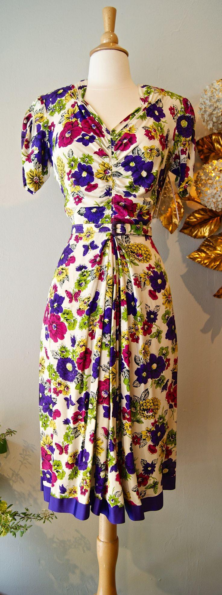 vintage dress / 1940s rayon print dress