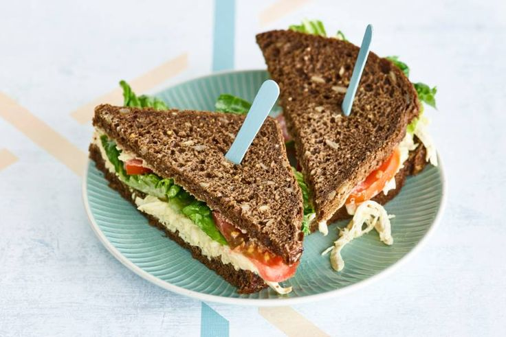 CLT-sandwich met pulled chicken - Recept - Allerhande