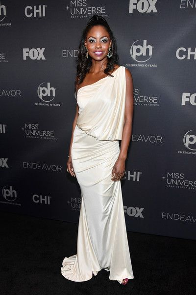 Miss Universe 1998 Wendy Fitzwilliam attends the 2017 Miss Universe Pageant at Planet Hollywood Resort & Casino on November 26, 2017 in Las Vegas, Nevada.
