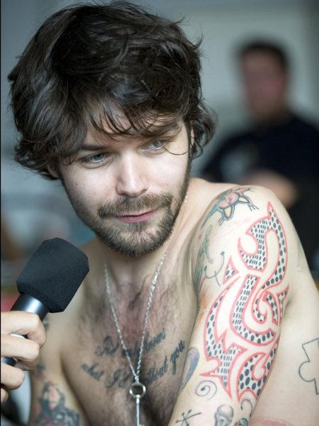 Simon Neil from Biffy Clyro - the kind of cuteness that you can't hide under any amount of facial hair.