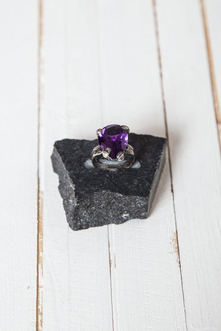 ARLO HAISEK – Faceted Amethyst Shape Cut Stone Ring | -PNP, fashion stores in Florence