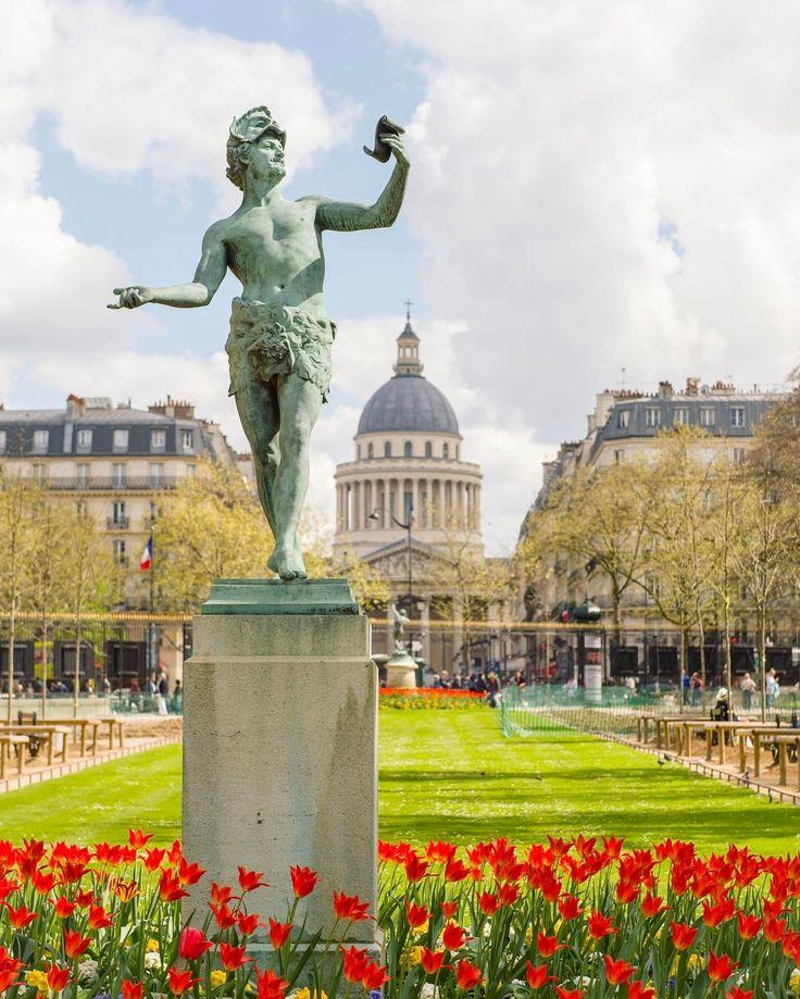 "494 Likes, 11 Comments - chris (@chrissen) on Instagram: ""Bon dimanche! Happy Sunday! #paris #파리 #パリ #Париж #parijs #pariisi  #visitparis #parigi…"""