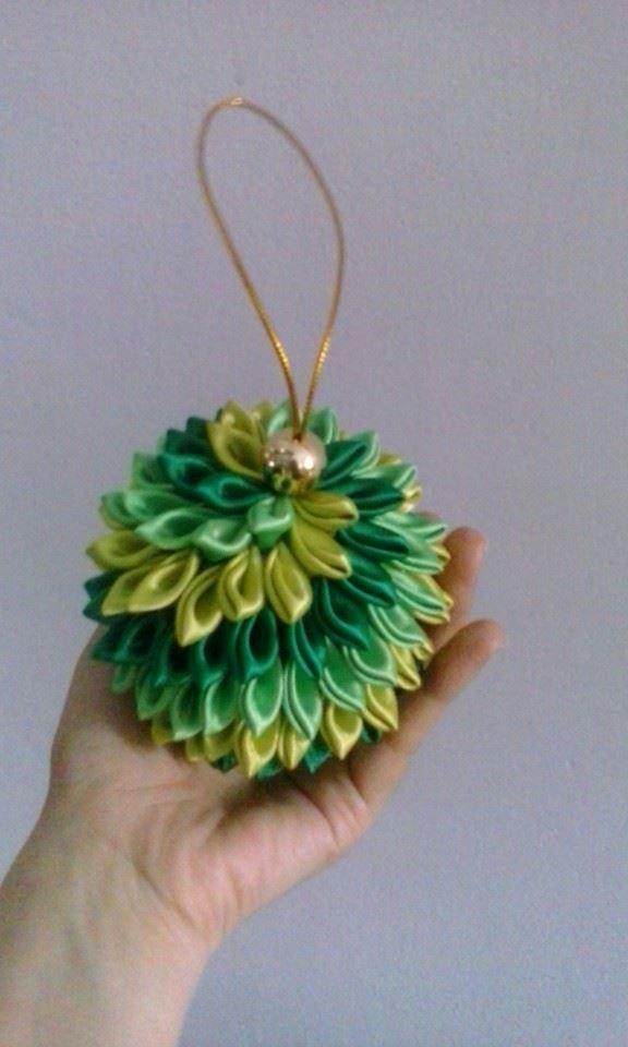 Bolas de navidad kanzashi en cinta mis labores for Cintas de navidad