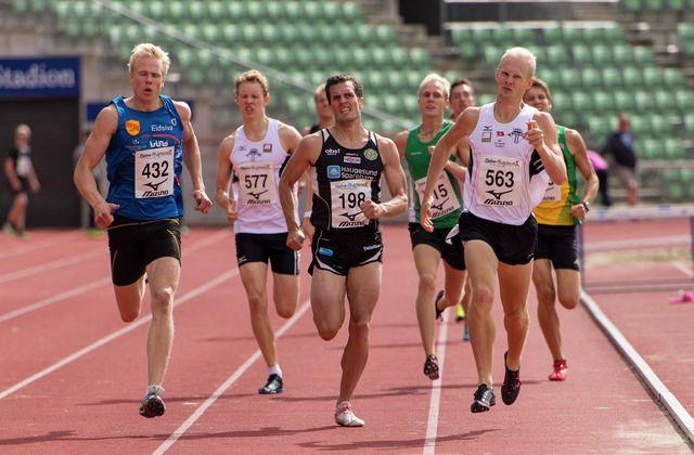 Emil Oustad best av 40 seniorer på 800 m på Bislett - KONDIS - norsk organisasjon for kondisjonsidrett