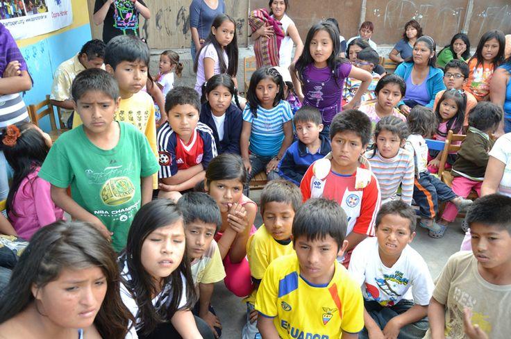 Öppna Händer Välgörenhet - Utbildning för utveckling - Volontär, fadder och systerskolor i Peru
