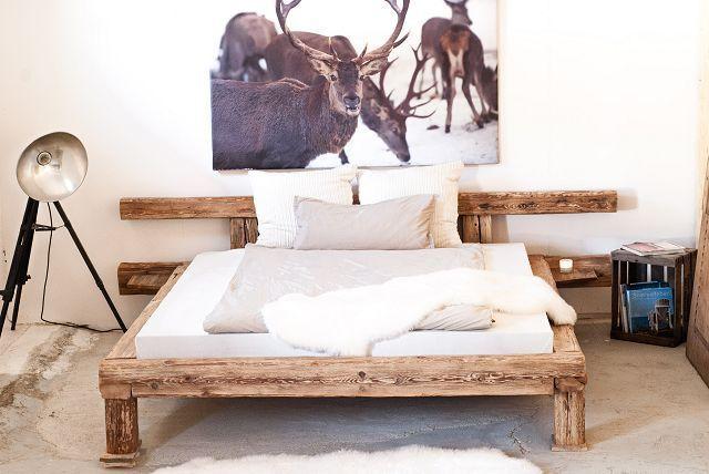 Balkenbett 180x200cm Balken aus altem Salzstadel von Schöne alte Möbel auf DaWanda.com