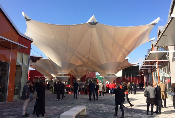 Scalo Milano City Style - Outlet - Milan (Italy) Tensile structure designed to cover the main square of this brand new commercial area #tensile #scalomilano #milan #milano #shopping #engineering #design #membrane