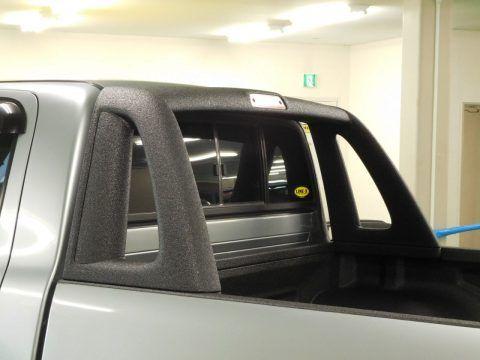 ハイラックス ベッドラック ロールバーLINE-X塗装  【トヨタ ハイラックス ピックアップトラック】 TOYOTA HILUX PickUp