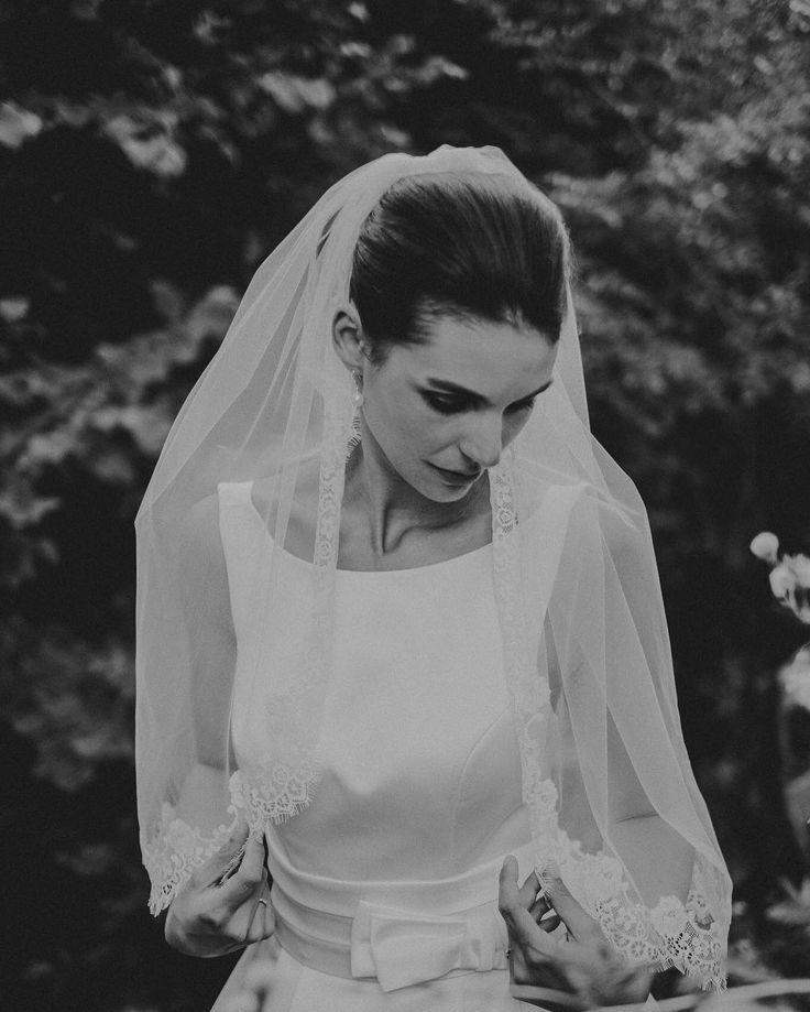 When you have young Audrey Hepburn in front of your lens.... . . . . #bridebook #groombook #shotfromtheheart #weddingdayemotion #loveisintheair #wedding #weddingday #weddingphotography #tribearchipelago #lxc #lorenxchris #southtyrol #südtirol #lookslikefilm #photobugcommunity #wayupnorth #wedaward #weddingphotographer #junebugweddings #weddinglovebug #destinationwedding #theweedinglegends #woodsandwolves #instawedding #socialbrideblog #ypwphoto #togetherweroam #yourockphotographers…