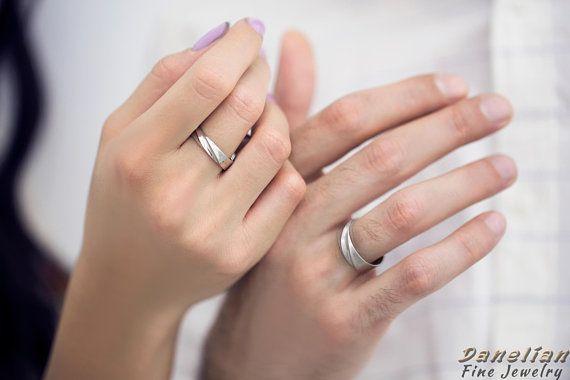 Wedding Ring Set Wedding Band His And Her Couple Wedding Etsy In 2020 Wedding Ring Sets Wedding Bands Wedding Band Sets