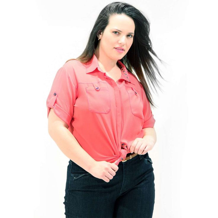 Camisa Sofist Fita Azul Pink Camisa em crepom Plus Sizecom bolso e botões na frente com fita de gurgurão na vira e pé de gola Mangas curta #camisaplussize #plussize #modaplussize #modaplussizebrasil #mulherplussize #mulheresplussize #tamanhogrande #vickttoriavick #modaplussizebr #plussizebrasil #plussizefashion #modagg #moda #fashion #feitonobrasil #plussizes #plussizebr #gordinhasdobrasil #modafemininaplussize #somosplussize #lojaplussize #lojafeminina #mulheresreais