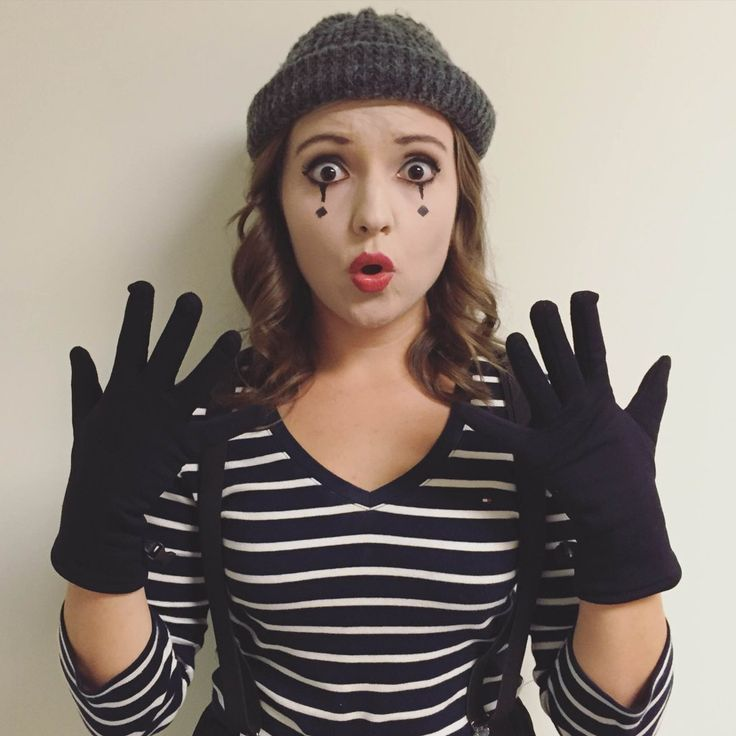 18 Last-Minute Halloween Costumes That Are a Cinch to Throw Together