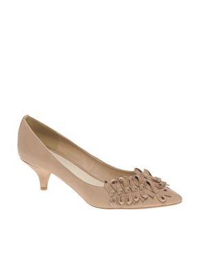 kitten heels - tan