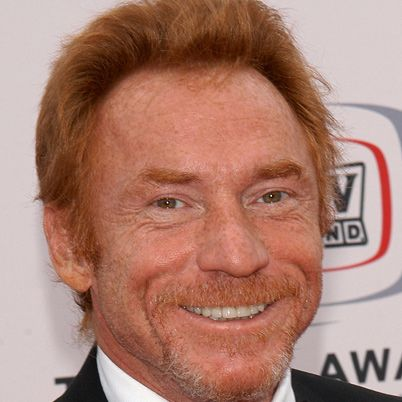 Danny Bonaduce. He was really really nice but was  really out of it and his assistant had to help him a bit. Sure hope he's ok now. I know he's struggled with addiction his whole life. But he was clearly a good guy. Sad.