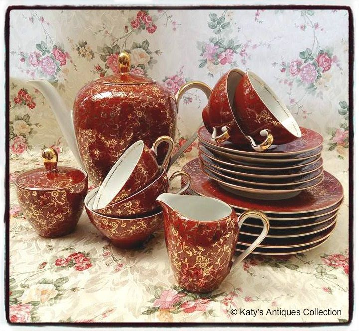 Vintage porcelain - Fine porcelain coffee service, crimson / gold - Bavaria, Germany. katysantiquescollection.simplesite.com
