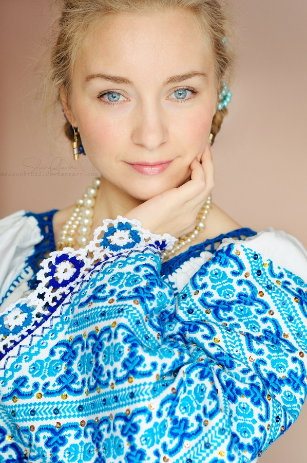 Romanian folkloric style - I love folk looks - very fun and boho-hippie