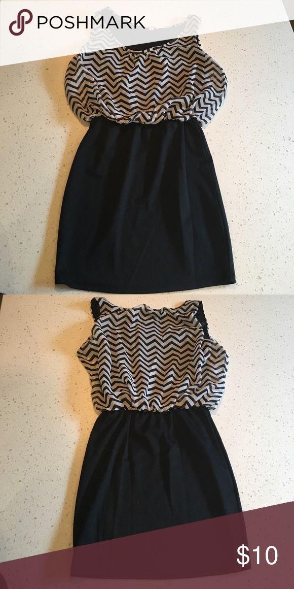 Mini dress Black and white, chevron patterned mini dress. Only worn once! BONGO Dresses Mini